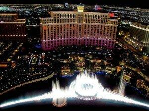 bellagio las night 300x224 Топ 10 крупнейших казино в мире
